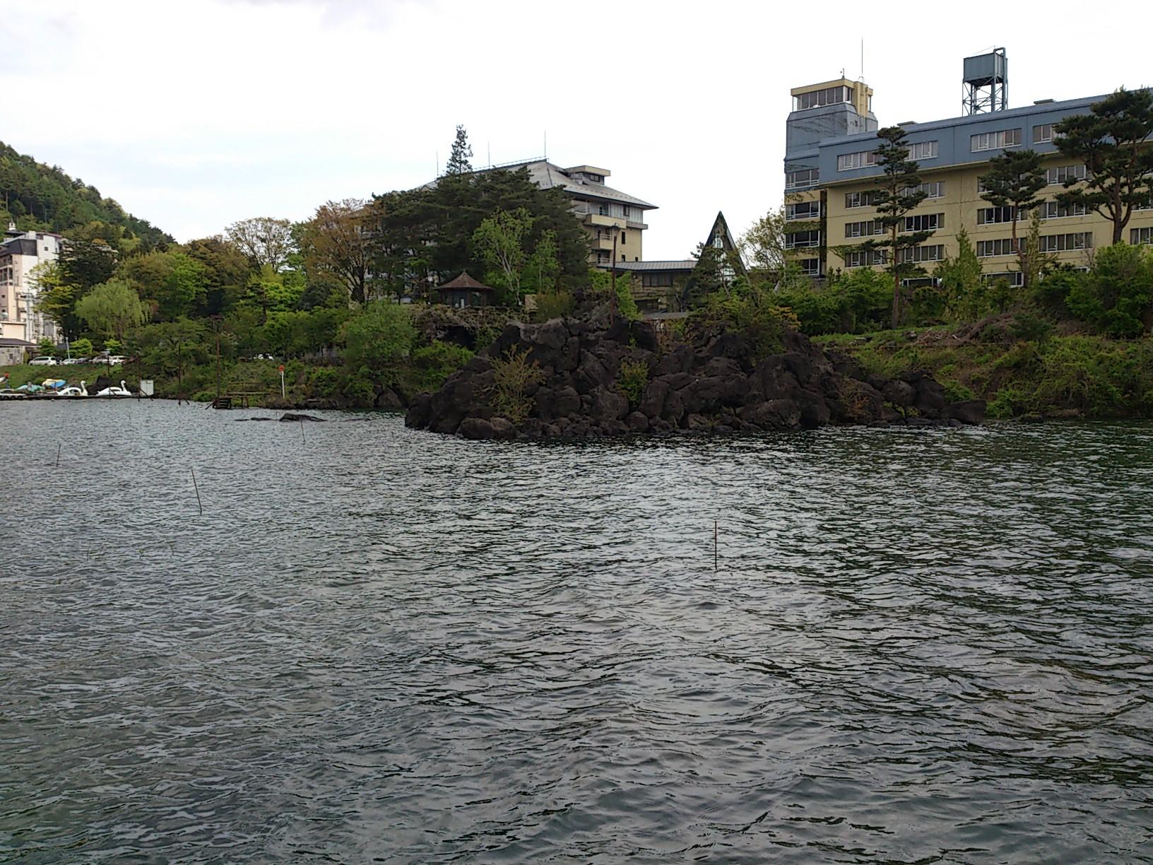 増水河口湖。